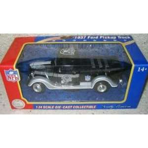 com Oakland Raiders 2005 124 Scale 37 Ford Pickup Truck NFL Diecast
