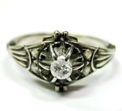 ANTIQUE ART DECO 18K WHITE GOLD DIAMOND RING
