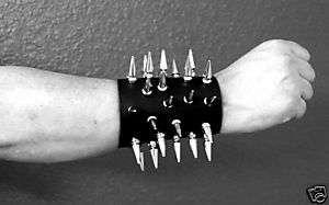 SPIKED LEATHER GAUNTLET WRISTBAND BRACER BLACK METAL