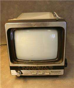VINTAGE PANASONIC PORTABLE TV MODEL TR 5111T