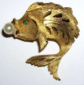 JJ Signed Fish Rhinestone & Faux Pearl Brooch Pin 1 1/4