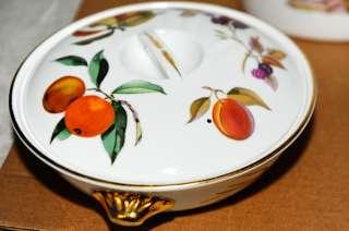 Gold 1961 England Royal Worcester Fine Porcelain Dish Set