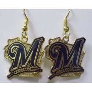 Earrings   Milwaukee Brewers Logo:  Sports & Outdoors