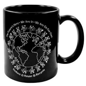 Grateful Dead   8 oz Bears Around World Mug: Kitchen
