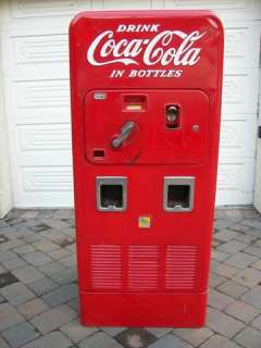 VMC VENDOLATER 72 COIN OP COKE COCA COLA SODA VENDING MACHINE