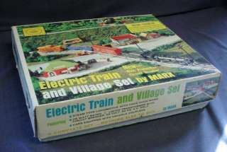 1973 MARX O SCALE ELECTRIC TRAIN & VILLAGE SET W/ BOX