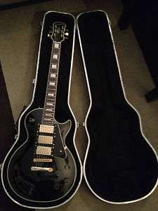 Gibson Epiphone Les Paul guitar, black & gold, comes w/ hard case