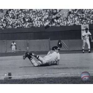 Brooks Robinson   Diving catch, sepia . Art PRINT Poster 10.00 X 8.00