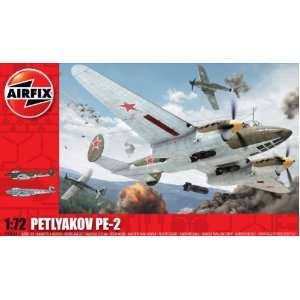 Petlyakov PE2 Military Aircraft Classic Kit Series 3 Toys & Games