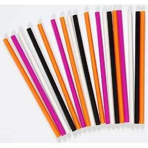 Hot Off The Press   18pc Colored Pencils (Black White